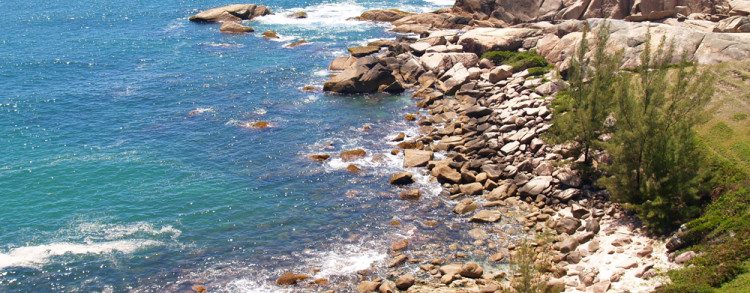 Integração com a natureza local – praia/montanha – mar/cachoeira