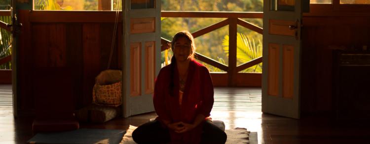 "09 a 16 Dezembro 2017 – Curso Intensivo de Yoga em Espanhol: ""Madurez Emocional a través del Yoga"""